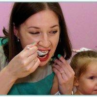 Мамочка кушает торт... :: Anatol Livtsov
