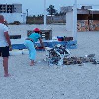 The Box - пляж эмоций. Там каждый стресс снимал как мог... :: Александр Резуненко