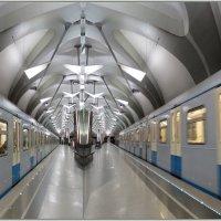 В метро... :: Александр