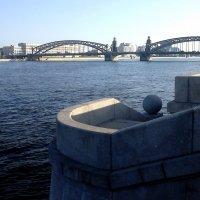 Санкт-Петербург. Смольная набережная и мост Петра Великого. :: Лариса (Phinikia) Двойникова