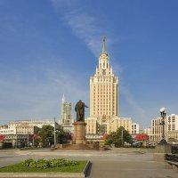 Комсомольская площадь :: Владимир Иванов