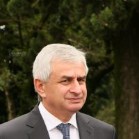 Президент Абхазии Рауль Хаджимба как зеркало абхазского народа :: Илья Скупой