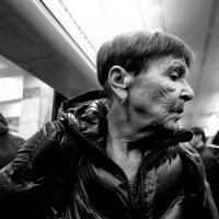 """Портрет пожилой дамы (из серии """"Люди метро"""") :: Михаил Зобов"""