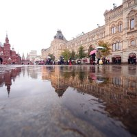 Дождь на Красной площади :: Михаил Бибичков