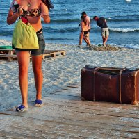 The Box - пляж эмоций. Про настроение в районе чемодана... :: Александр Резуненко
