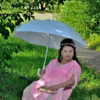 Дама с зонтом. :: Александр Зуев