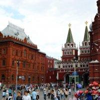 Традиционная суета центра Москвы... :: Андрей Головкин