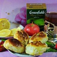 Не испить ли нам чайку с пирожками яблочными..? :: Андрей Заломленков