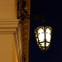 Фонари Гостиного двора :: Ольга
