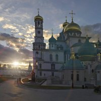 Истра. Воскресенский Ново-Иерусалимский монастырь :: Mikhail .