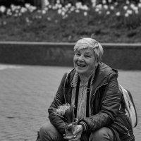 Уличная продавщица цветов :: Вадим Sidorov-Kassil