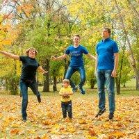 Когда в семье есть орлёнок, святая обязанность старших научить его летать :: Albina
