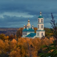 Утонувшая в осени :: Сергей Цветков