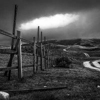 хмурое утро. Север Черногории. :: Олег Семенов