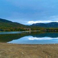 Озеро в Кизиловом :: Zinaida Belaniuk