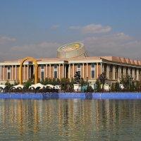 Национальный музей в Душанбе :: Андрей