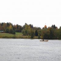 Страна Suomi. Одинокий рыбак. :: Лариса (Phinikia) Двойникова