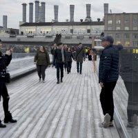 На смотровой площадке парящего моста. :: Николай Ярёменко