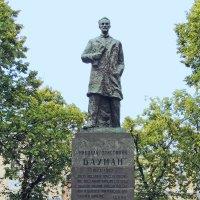 Памятник Бауману :: Александр Качалин