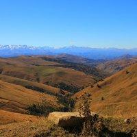 Горы туманные, горы далёкие... :: Vladimir 070549