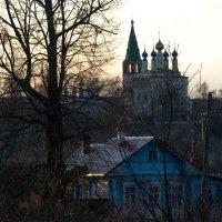Вечерний вид из Дунилово на село Горицы и храмовый комплекс Преображения :: Александра