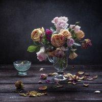 Осенние розы. :: Юлия Холодкова