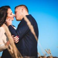 Любовь в каждом взгляде, прикосновении... А у вас какая осень? :: Лидия Марынченко