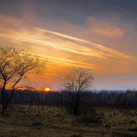 """""""Солнце ниже,небо ниже,розовеет дальний край ....."""" :: Алексей Мезенцев"""