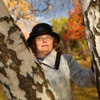 Таня и осень :: Марина Щуцких