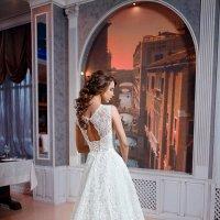красивое платье в красивом интерьере :: Mitya Galiano