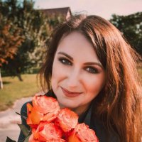 Девушка с цветами :: Юлия Шевцова