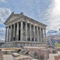 Языческий храм в с. Гарни :: Ирина Шарапова