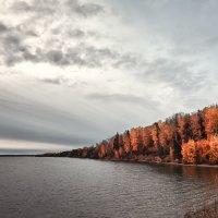 Осень на реке :: Дмитрий Булатов