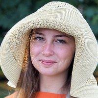 девушка и шляпка :: Олег Лукьянов
