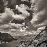 Лишь земля и небо... :: Игорь Иванов