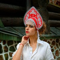 В кокошнике. :: Александр Бабаев