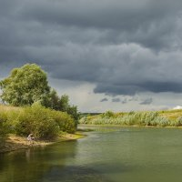 Одинокий рыболов :: Владимир Иванов