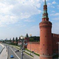 Москва, на набережной. :: Ольга Васильева