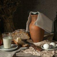 Завтрак, хлеб с маслом (яблоко провакатор) :: Алексей Кошелев