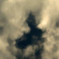Силуэт в облаках. :: Елена Kазак