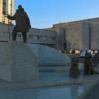 Памятник полярникам :: Митя Дмитрий Митя