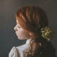 Девочка с цветком в волосах :: Юлия Дурова