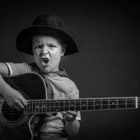 Маленький гитарист :: Олег Каразанов