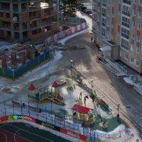 Вид на двор по ул. Строителей :: Владимир Семёнов