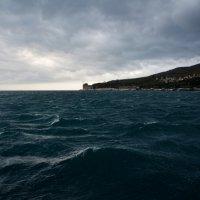 Черное море штормит :: Наталья Покацкая