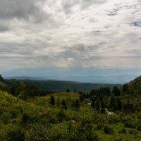 Вид на Хамар-Дабан из долины р.Хубуты :: Александр Шацких