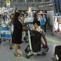 2017. Таиланд. Бангкок. Аэропорт (2) :: Владимир Шибинский