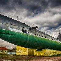 Питер подводная лодка на Наличной улице :: Юрий Плеханов