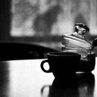 Чашка чая и кошка за окном :: Ольга Мальцева