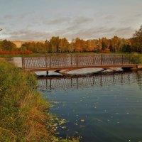 Вблизи милого мостика... :: Sergey Gordoff